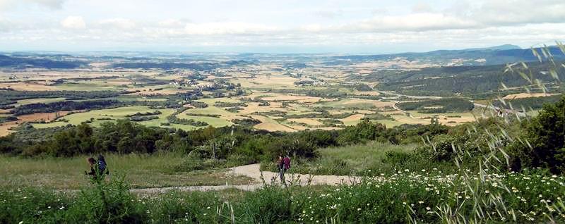 Camino Frances Richtung Puenta de la Reina, Achtsamkeit besonders bergab