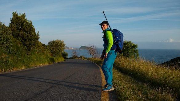 Mit Stöcken am Camino