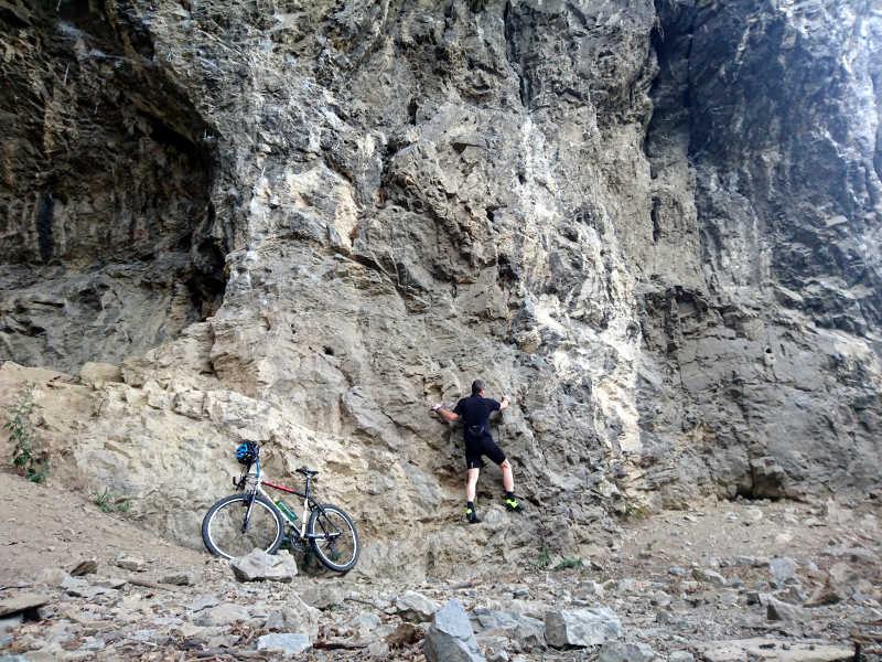 Radfahren und Klettern