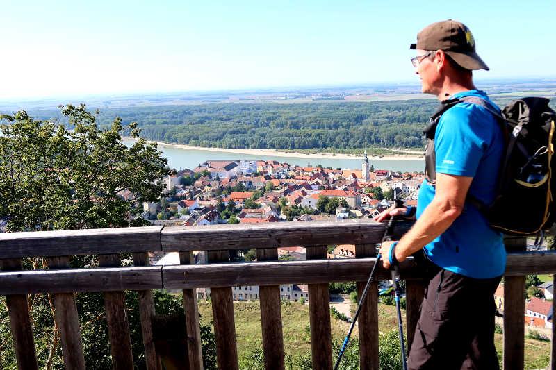 Aussicht über Hainburg, am Jakobsweg Carnuntum
