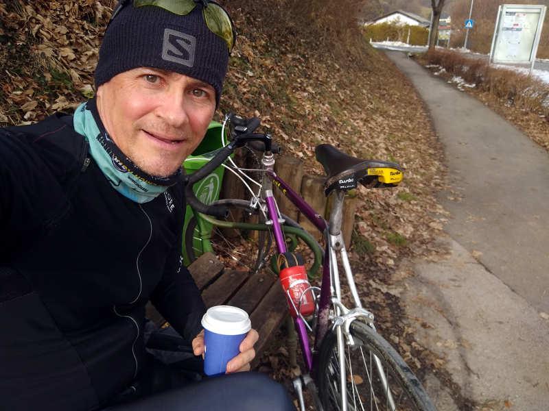Mein Leben 3.0, mit dem Rad Cafe to go trinken, im Lockdown