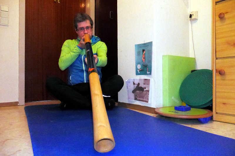 Didgeridoo spielen